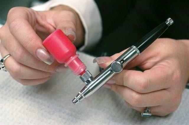 Что такое и как пользоваться аэрографом для ногтей