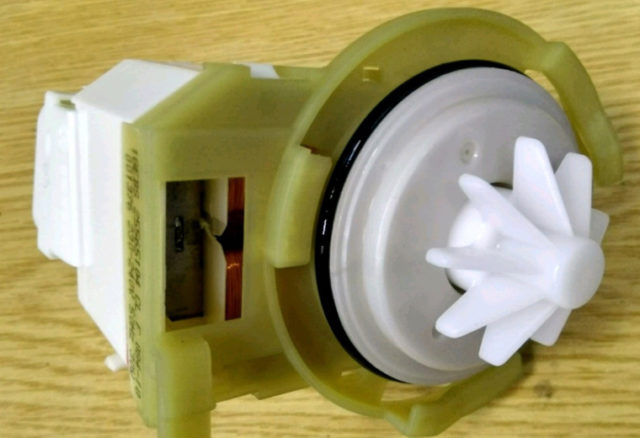 Как устранить ошибку I30 в посудомоечной машине Электролюкс