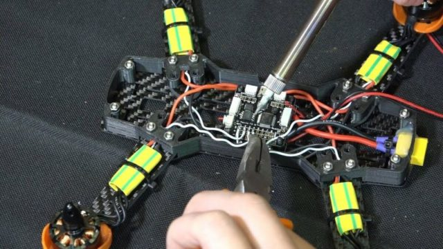 Как сделать самодельный квадрокоптер своими руками