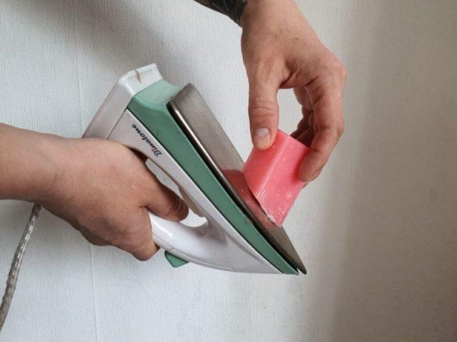 Как почистить утюг от нагара в домашних условиях