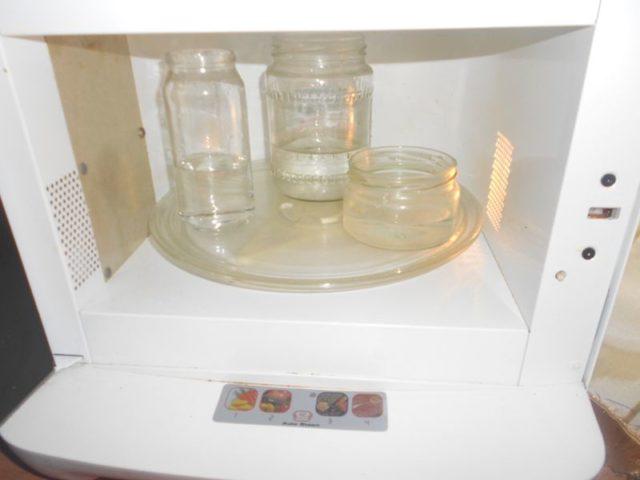 Как стерилизовать банки в микроволновке: пустые, с заготовками, салатом