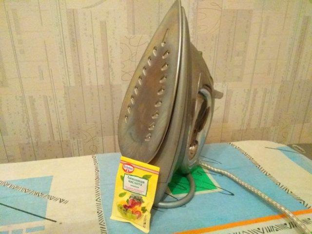 Как почистить утюг от накипи лимонной кислотой в домашних условиях