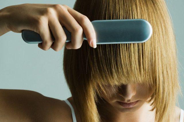 Как правильно пользоваться и выпрямлять волосы расческой-выпрямителем