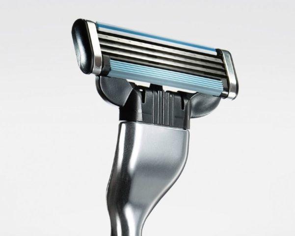 Чем лучше бриться мужчинам: станком или электробритвой