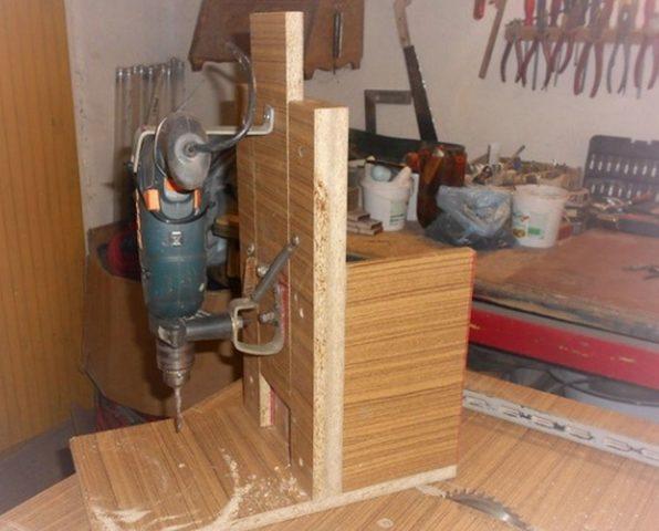 Как сделать фрезер по дереву из дрели своими руками