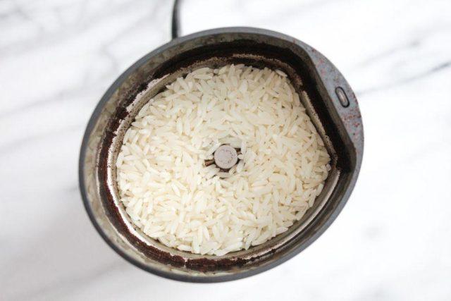Как мыть кофемолку внутри: можно ли водой, средства для чистки